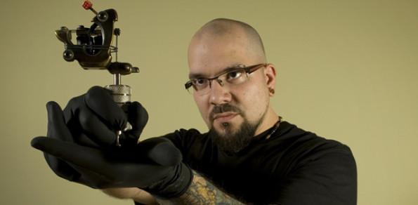 Comment bien choisir son tatoueur